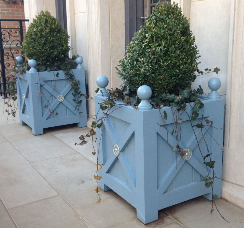 ASHTON - Cedar Orangerie Planter Box With Medallions